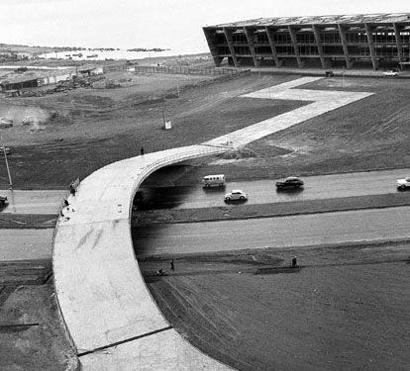construção dpp aterro do flamengo e do museu de arte moderna -decadade 60